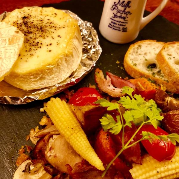 燻製カマンベールのチーズフォンデュ